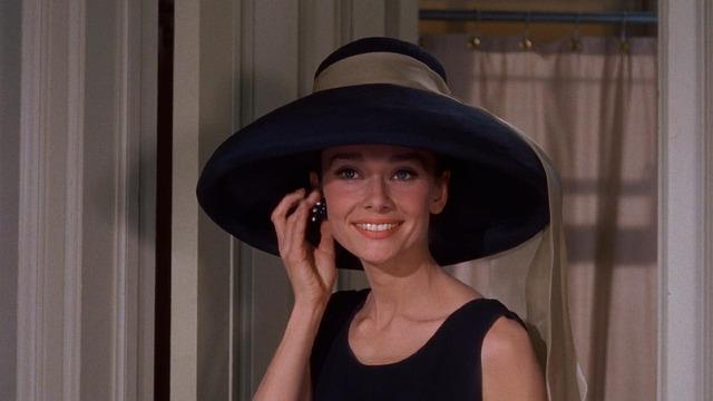 Audrey v klobouku